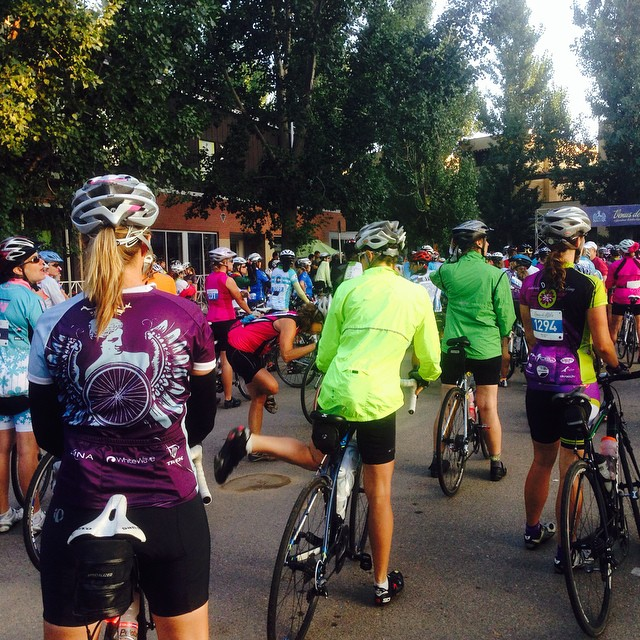 The start of the 100-miler at @venusdemiles this morning. Beautiful day for a ride! #RideVenus