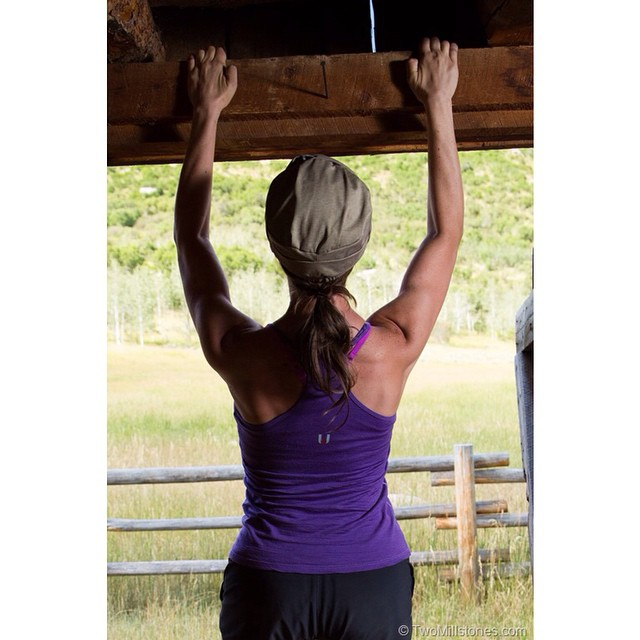This one time, @twomillstones and I found a barn while hiking and I decided to do some pull-ups!  Today I'm highlighting a couple outdoor companies on my site. I suspect you've never heard of them, so come check it out! {Link in my profile.} PC: @twomillstones