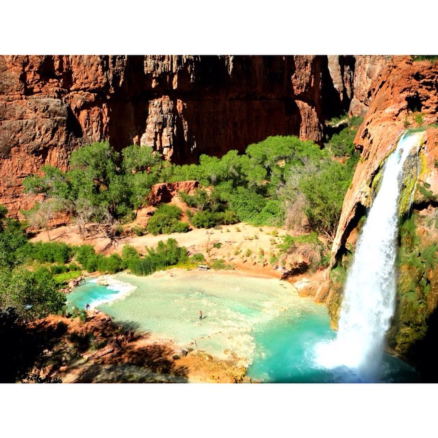 Today's #tbt takes me back 2.5 years to Havasu Falls and the inaugural @columbia1938 #omniten trip. No one knew what OmniTen was but a whole lotta goodness came from the launch of OmniFreeze Zero! Right, @twomillstones?! ?