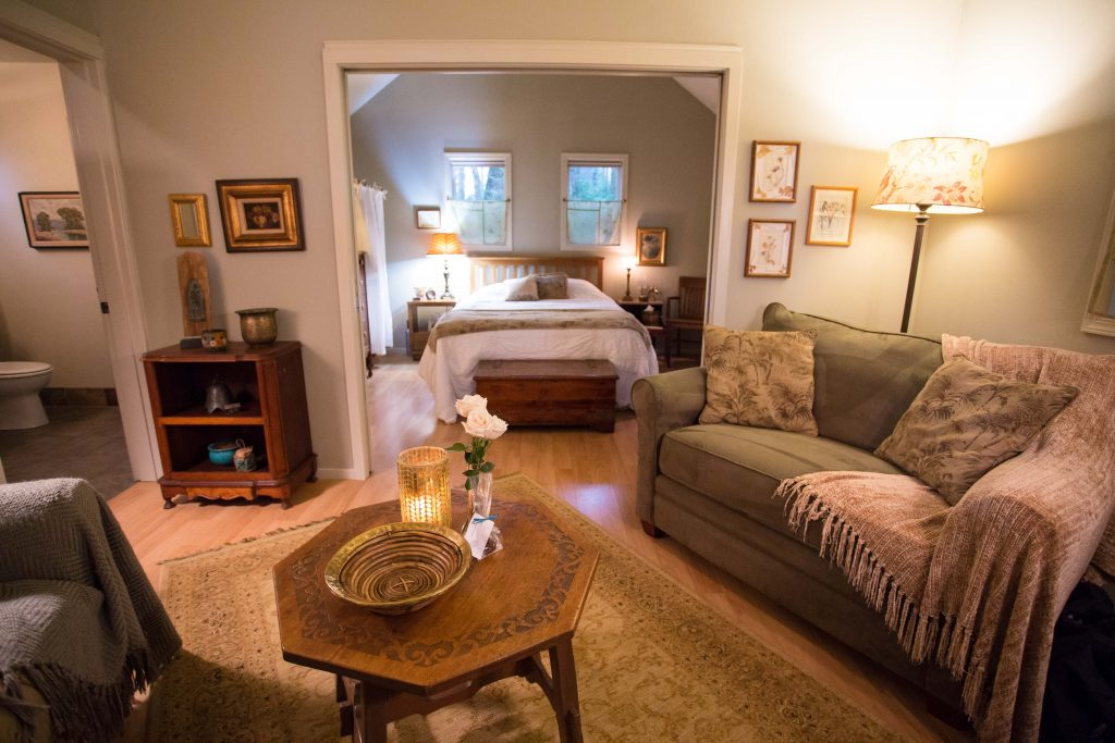 Romantic Getaway at WildSpring Guest Habitat